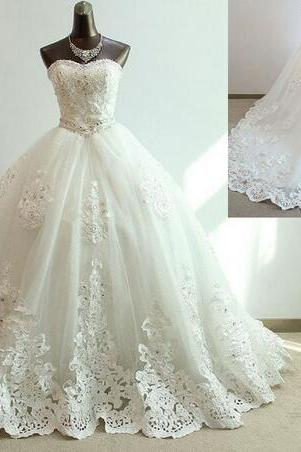 Strapless Sweetheart Lace Appliqués Ball Gown Wedding Dress with Long Train